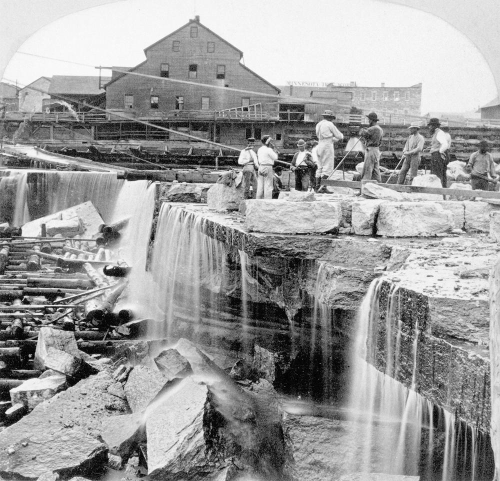 3_Worker build an apron at the falls_1866_image from Minnesota Historical Society_
