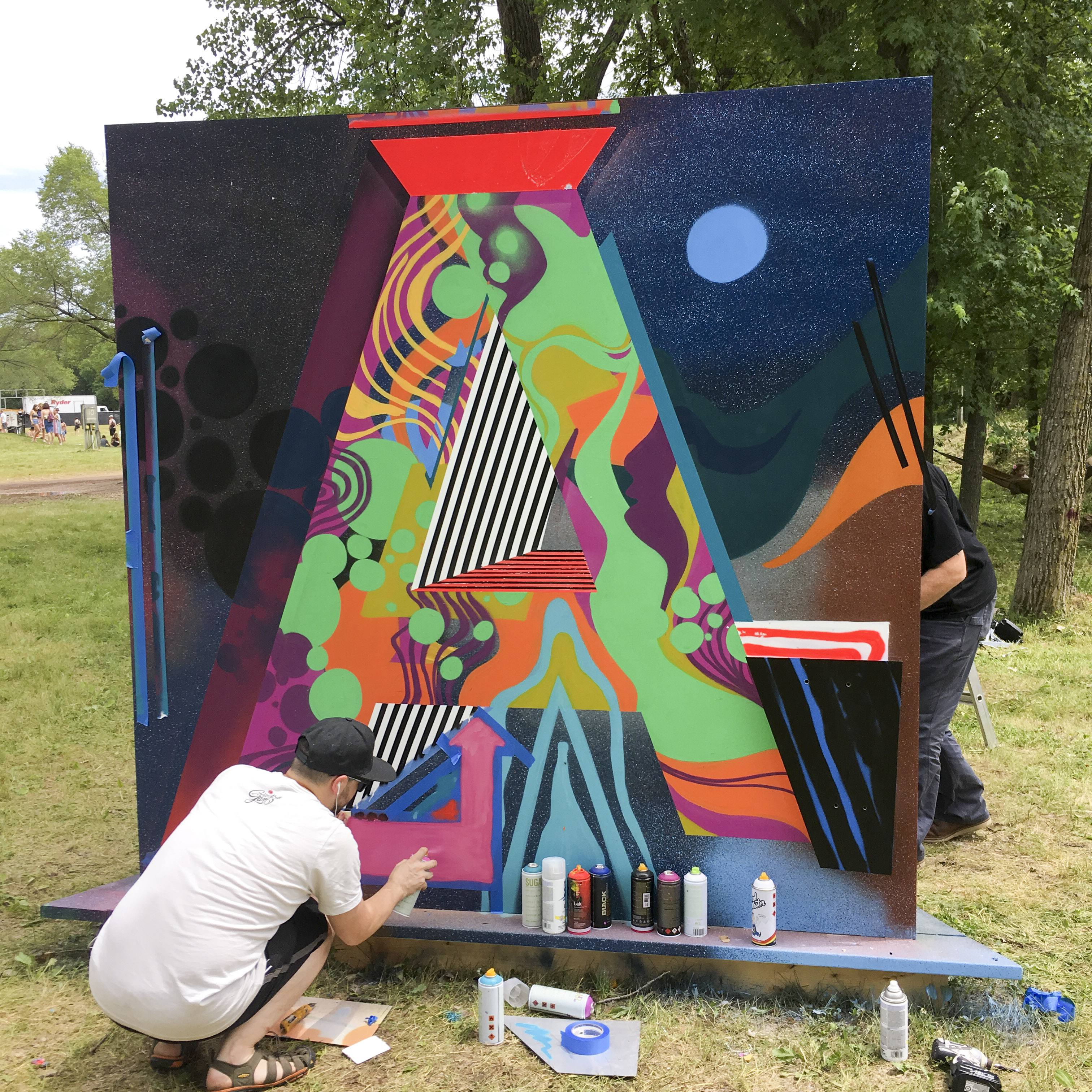 Live painting at Eaux Claires 2017 // Photo by Kevin Sterne