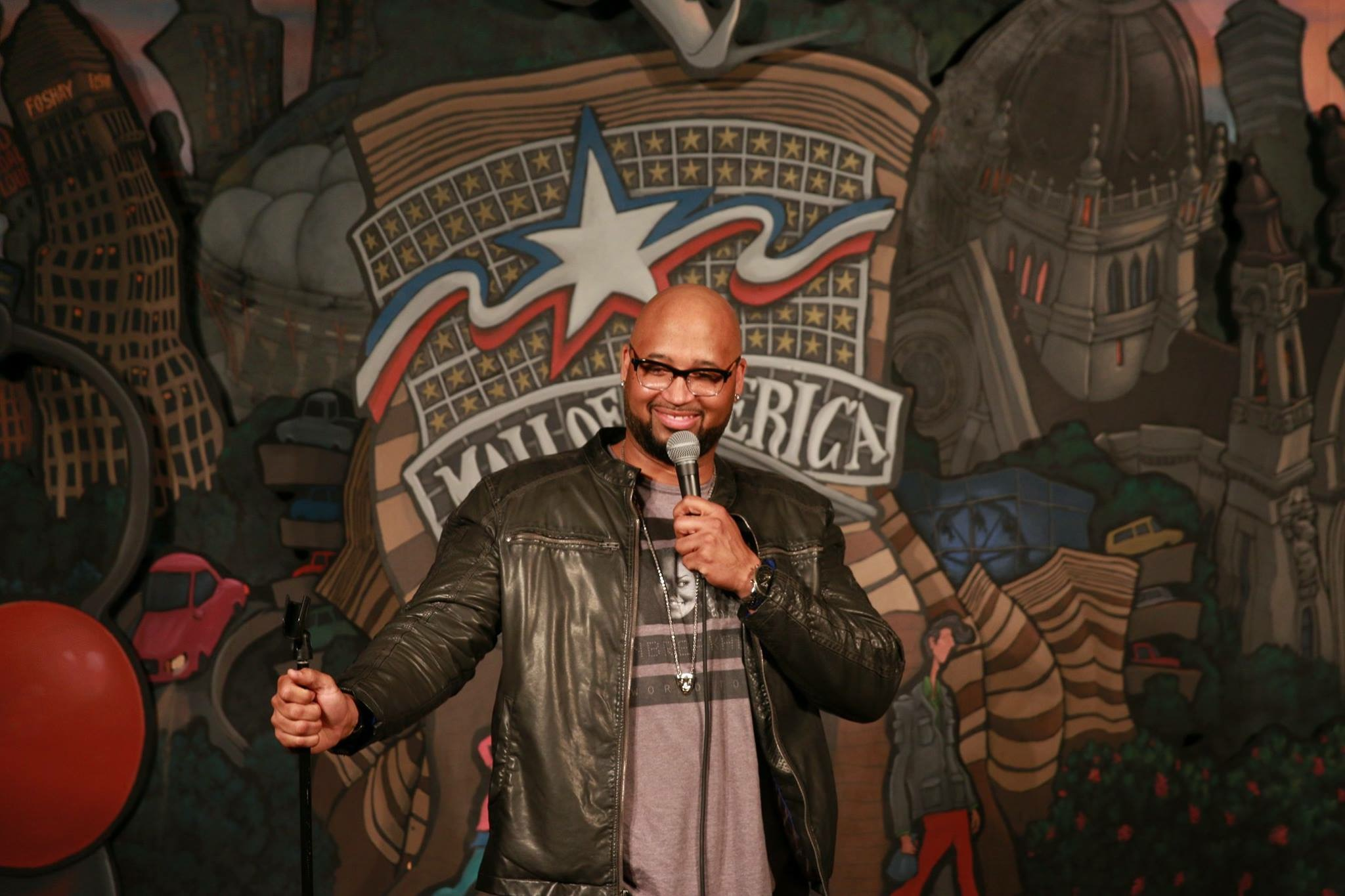 Comedian Shed G performing at Rick Bronson's House of Comedy at the Mall Of America // Photo via Shed G's Facebook page