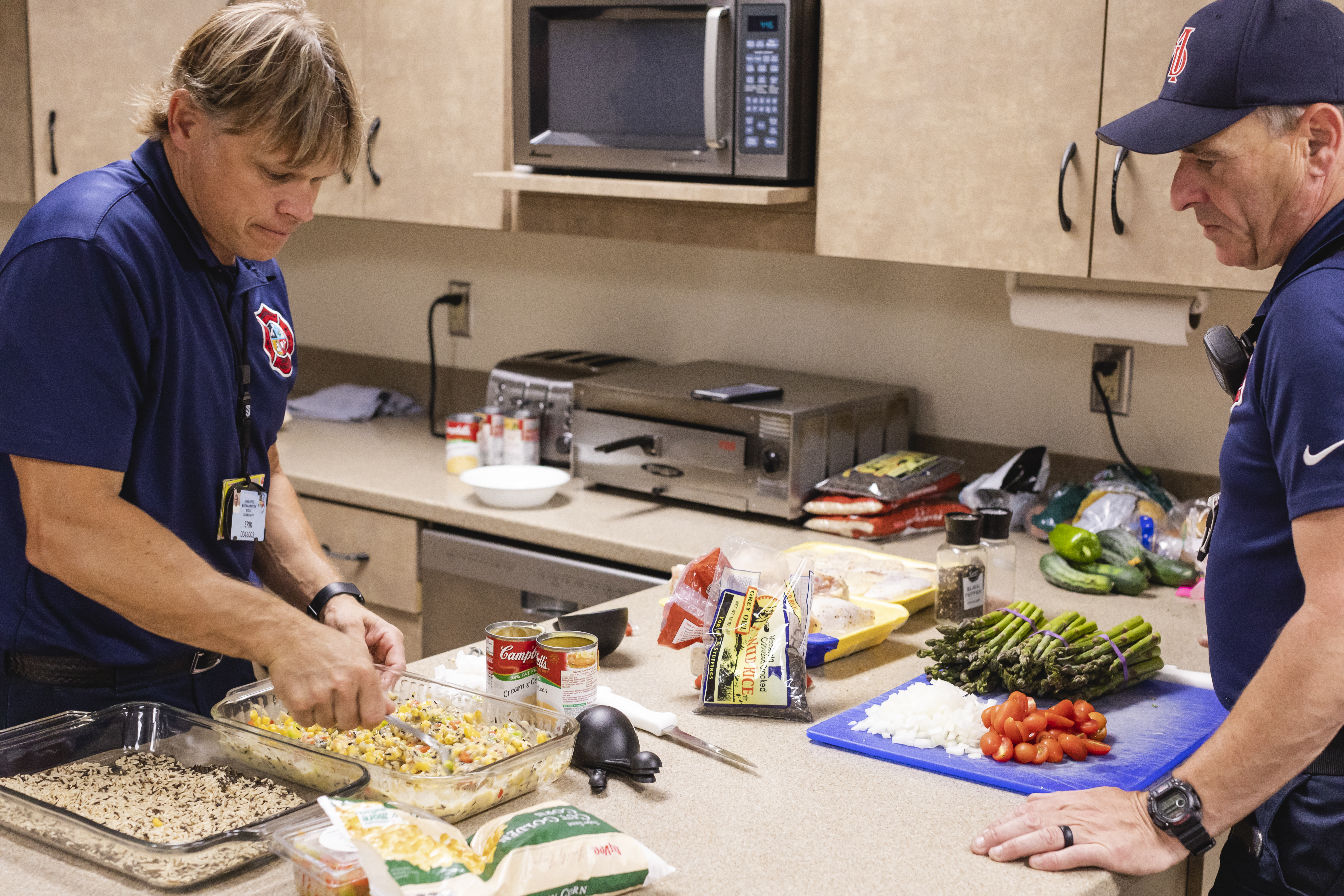 Firefighters at Mdewakanton Fire Department in Shakopee prepping a hot meal // Photo by Garrett Born