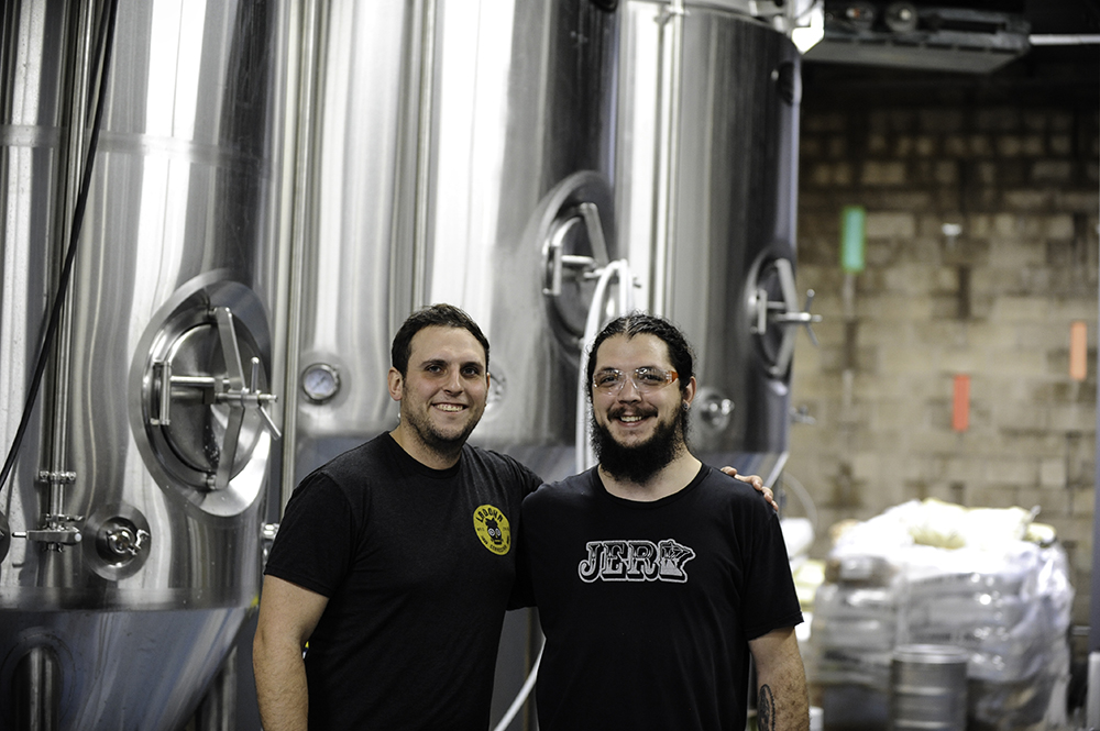 La Doña's Sergio Manancero and head brewer Dickey Lopez // Photo by Daniel Murphy