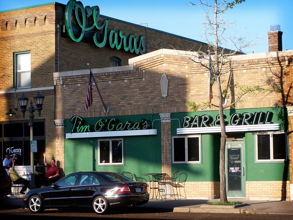 O'Gara's Bar & Grill s the oldest family owned operation of its kind in St. Paul still at the original location. // Photo by Patricia Bour-Schilla for Saint Paul Almanac