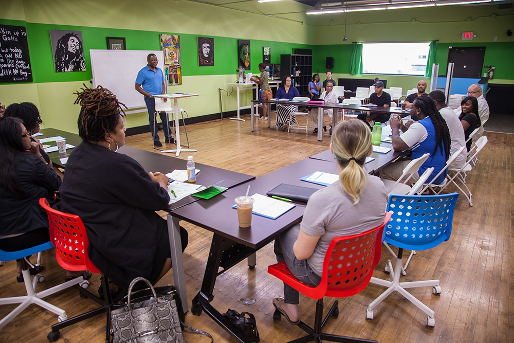 """Northside Economic Opportunity Network (NEON), a North Minneapolis based organization is dedicated to """"expanding economic development opportunities and building wealth for low- to moderate-income entrepreneurs in north Minneapolis and surrounding communities"""" // Photo by Tim Pearson"""